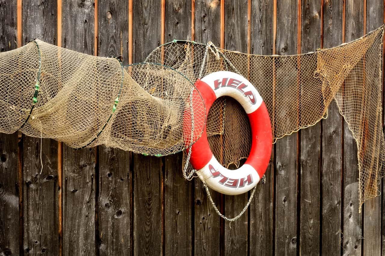 Comunicación de crisis: Evitar el iceberg o achicar agua